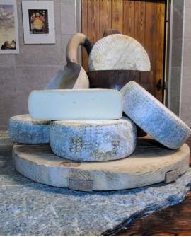 Formaggio stagionato latte vaccino 1,4-1,5 kg - Caseificio Artigiano Variney - Elisei Duclos